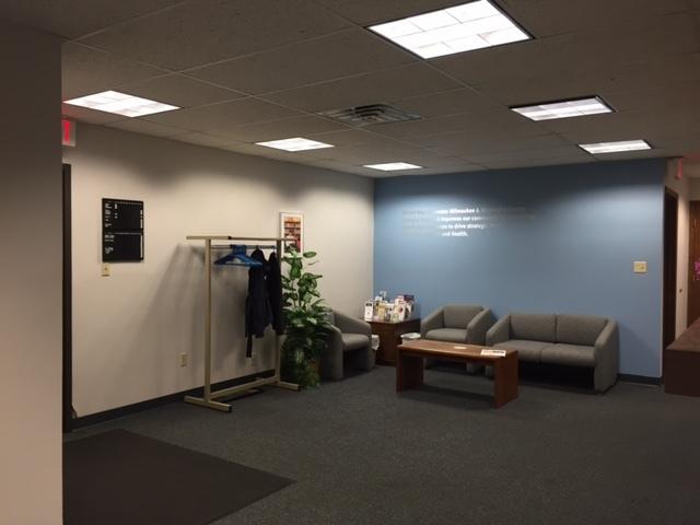 http://judsonrealestate.s3.amazonaws.com/production/photos/images/9439/original/Interior_waiting_area.JPG?1470084168