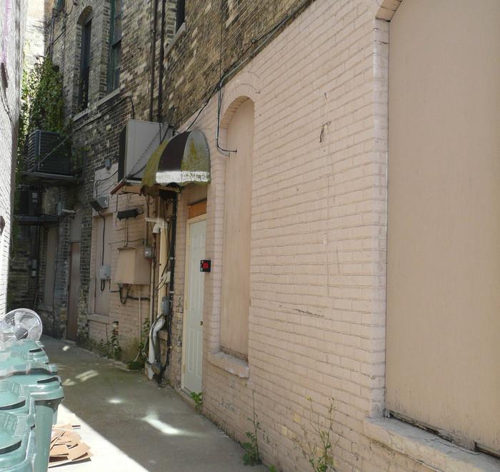 http://judsonrealestate.s3.amazonaws.com/production/photos/images/9498/original/4121_(1)-new_web.jpg?1470232475