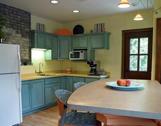 https://judsonrealestate.s3.amazonaws.com/production/photos/images/9982/original/First_floor_kitchen.jpg?1490279377